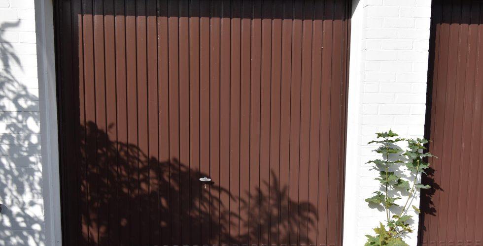 Garagentore grundieren & lackieren