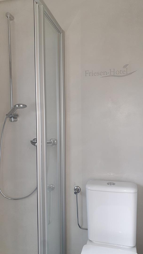Fugenlos Spachteln Bad Badezimmer Hotel Jever 02