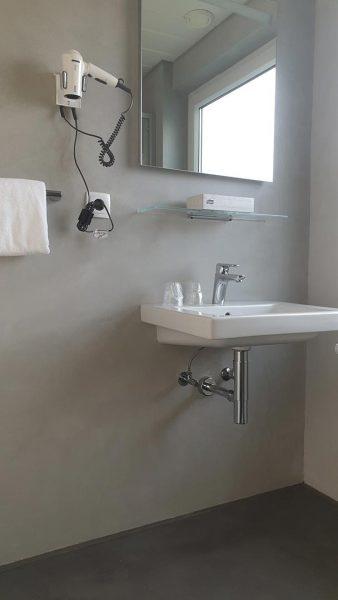Fugenlos Spachteln Bad Badezimmer Hotel Jever 05