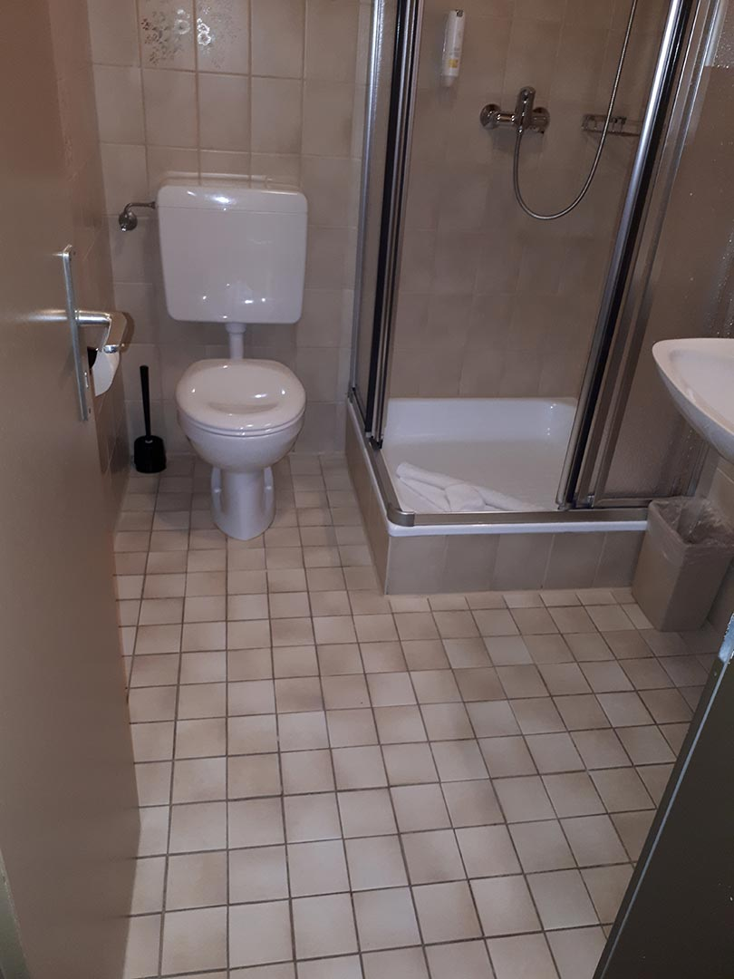 Fugenlos Spachteln Bad Badezimmer Hotel Jever 11