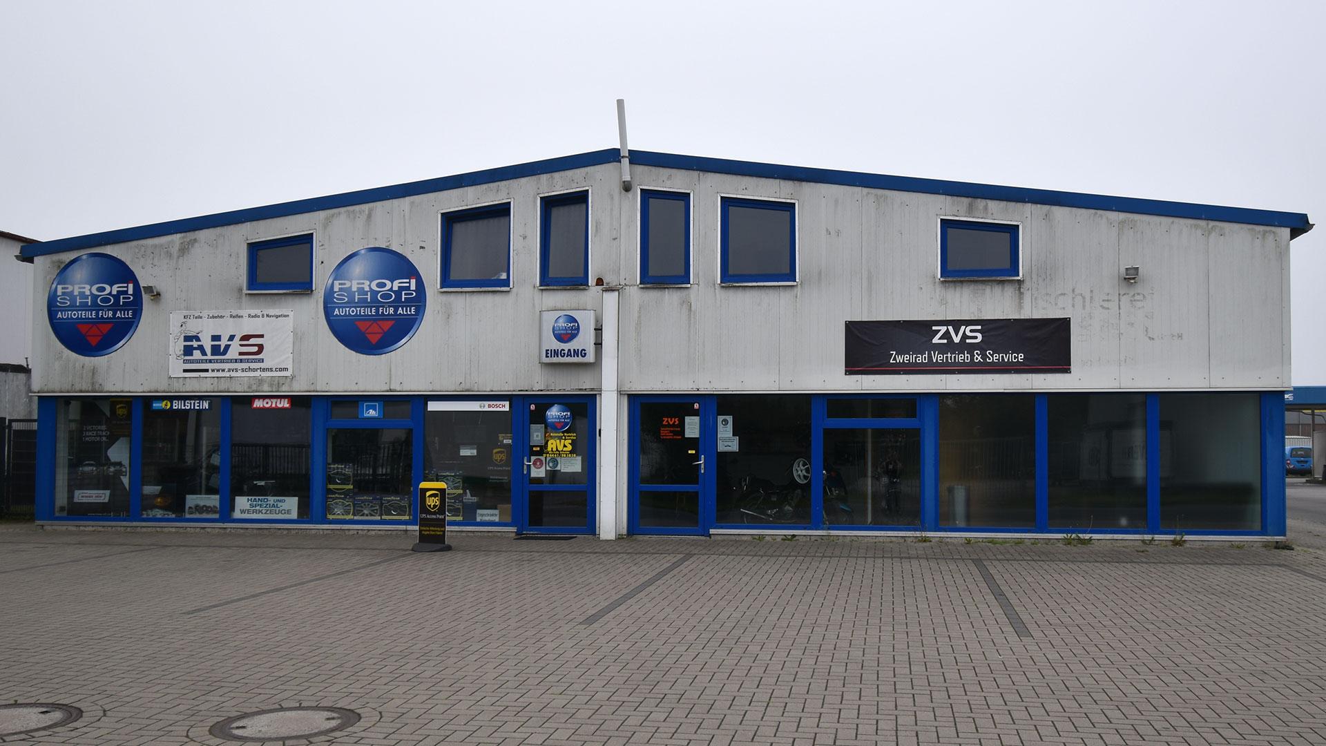 Halle Schortens Anstrich Sanierung Fassadensanierung Malerarbeiten 01a