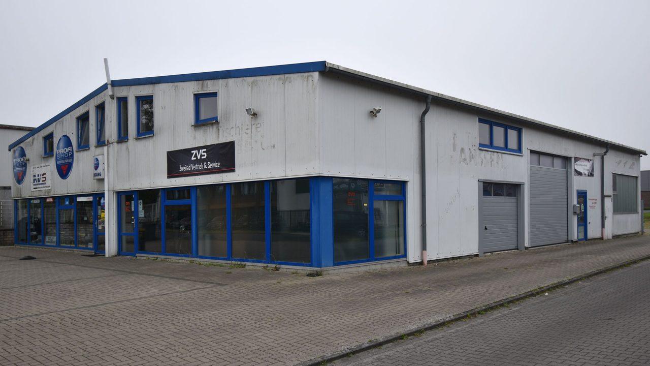 Halle Schortens Anstrich Sanierung Fassadensanierung Malerarbeiten 02a